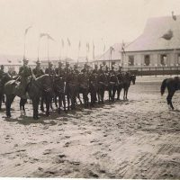 Zbiórka szwadronu pułku na placu ćwiczeń