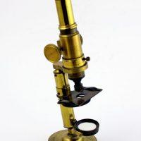 mikroskop medyczny